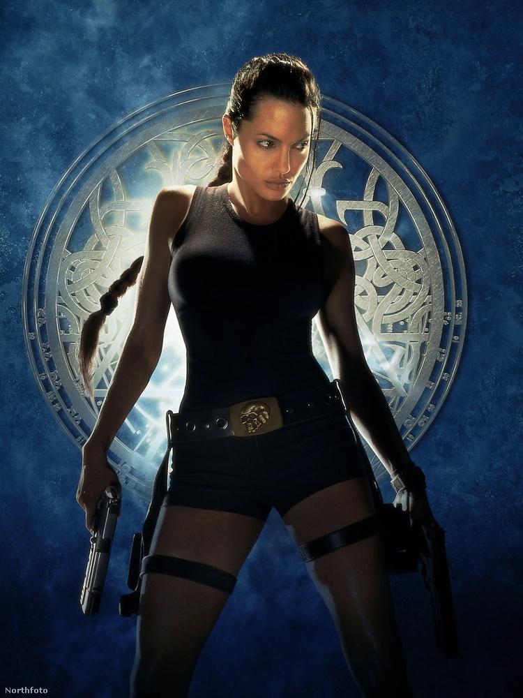 Jó, Lara Croftként eléggé ki volt kerekedve.