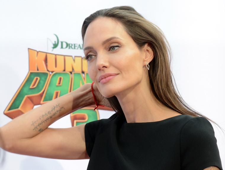 Azt mondtuk, hogy Angelina Jolie kórosan sovány