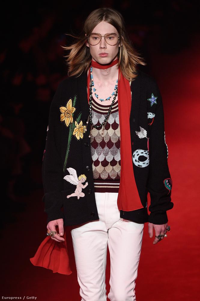 Ezek a nyakba kötött kendőket már másfél éve nyomatja a Gucci és baromira nem jönnek divatba