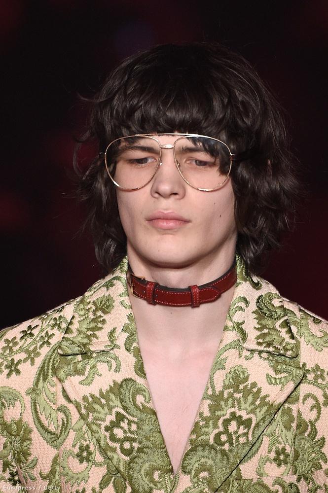 Egy újabb ütős haj+szemüvegkeret kombó