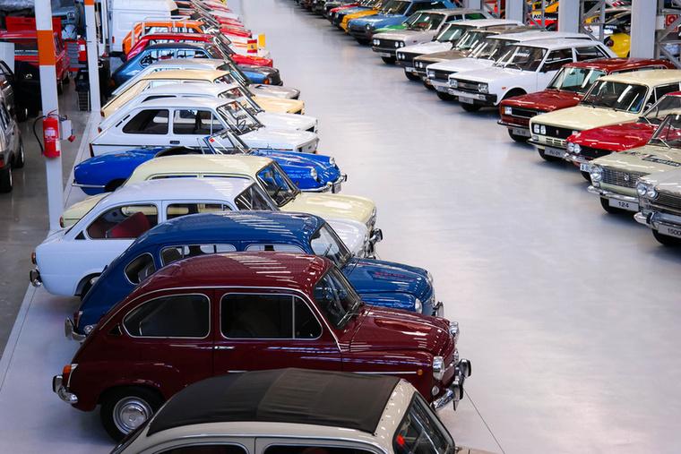 A Fiat 600 és mindenféle leszármazottai adták sokáig a termelés javát, vicces lenne, ha a Seat is csinálna egy hasonló retrómodellt, mint a mai Fiat 500-as