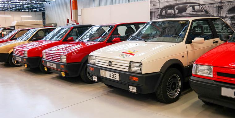 A függetlenség és a VW-felé kacsintgatás első gyümölcse, az Ibiza: a platform még a Ritmóéra hasonlít, de a motor már Porsche-system.