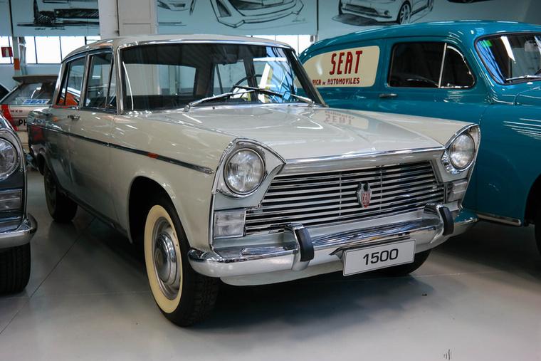 Az 1500-asból több mint 130 ezer készült, 1963 és 1972 között, népszerű volt taxiként.