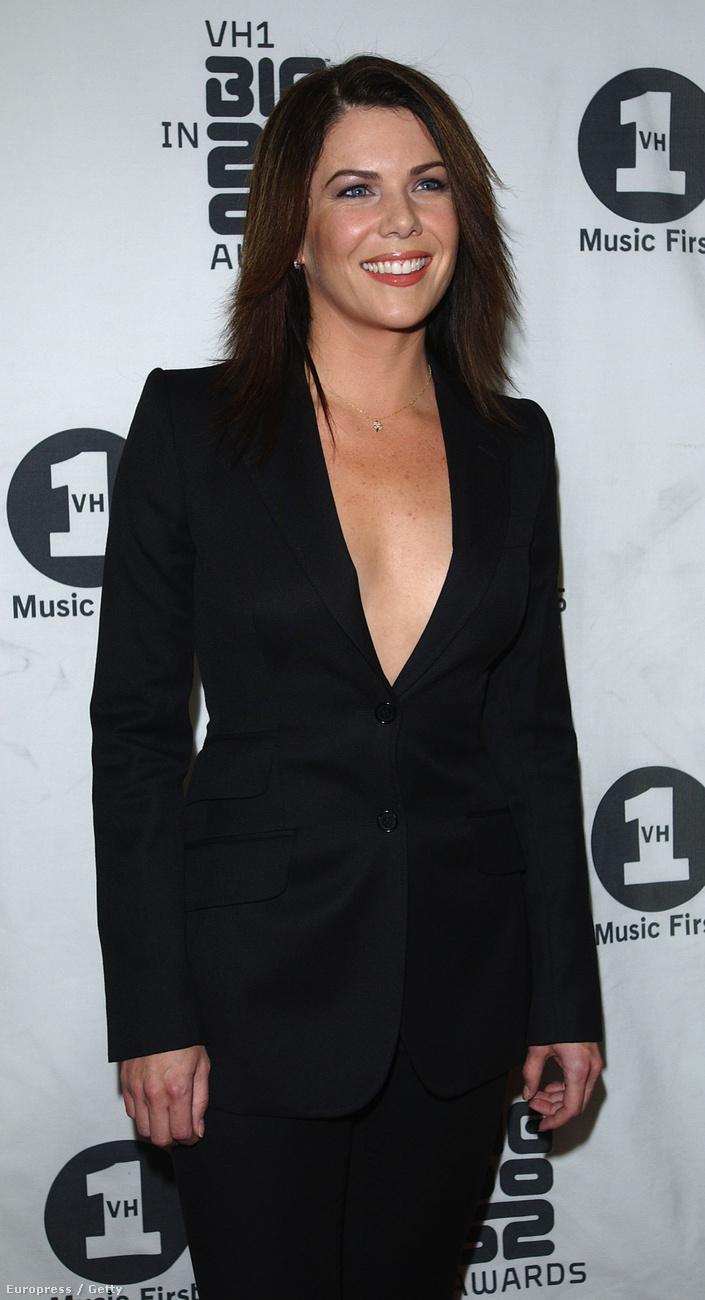 Lauren Grahamről van szó, aki már 48 éves, de ugyanolyan csinos, mint 15 éve