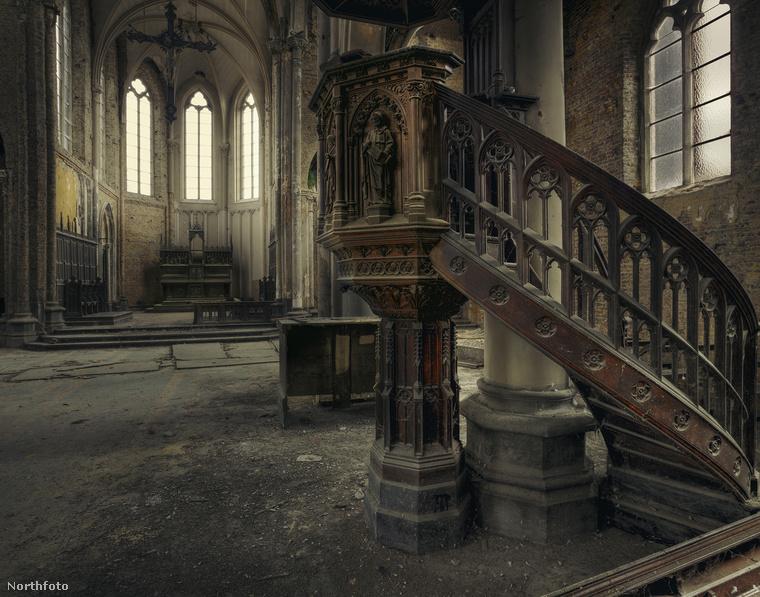 BelgiumEgy elhagyott templom