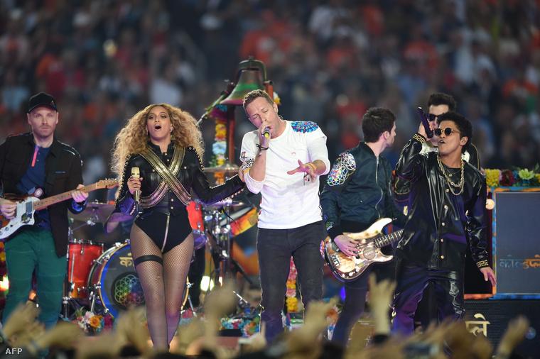 De sajnos Chris Martin és Bruno Mars még mindig ott volt a színpadon