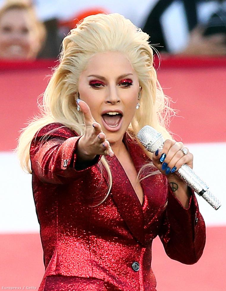 Aki egy pillanatig is kételkedett abban, hogy Lady Gagának van hangja, az kattintson ide, hallgassa meg, mit rakott le az asztalra