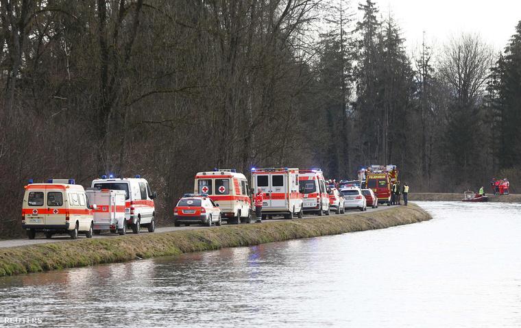 Kedd reggel két vonat frontálisan ütközött Bajorországban