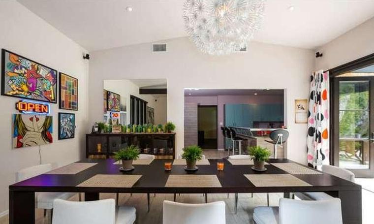 4 hálószoba és 4 fürdőszoba is tartozik a malibui házhoz, amit ugyanannyiért vásárolt, mint Anne Hathaway.