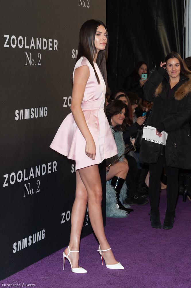 Na meg Kendall Jennert is