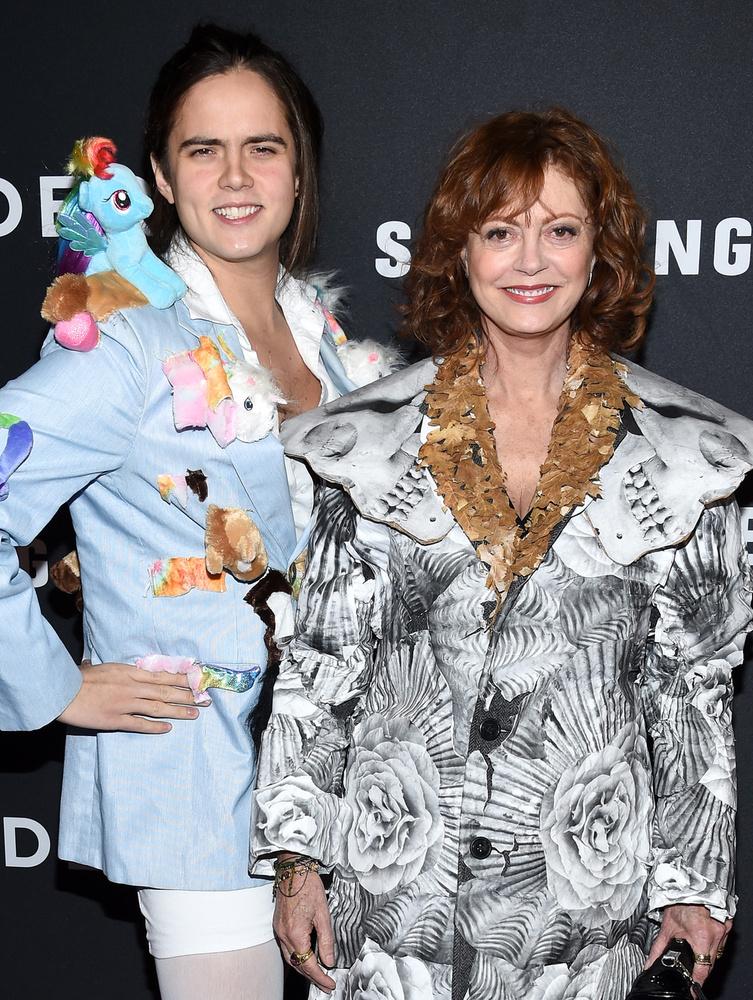 Mondjuk a legkeményebb mind közt SusanSarandon és fia, Miles Robbins megjelenése volt.