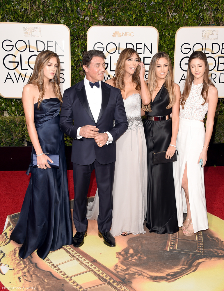 Ja, és ott volt Stallone felesége, Jennifer Flavin is