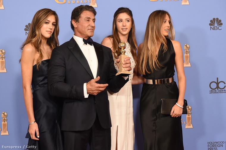 Ja és amúgy van egy húguk is, Scarlet Stallone, aki még csak 13 éves