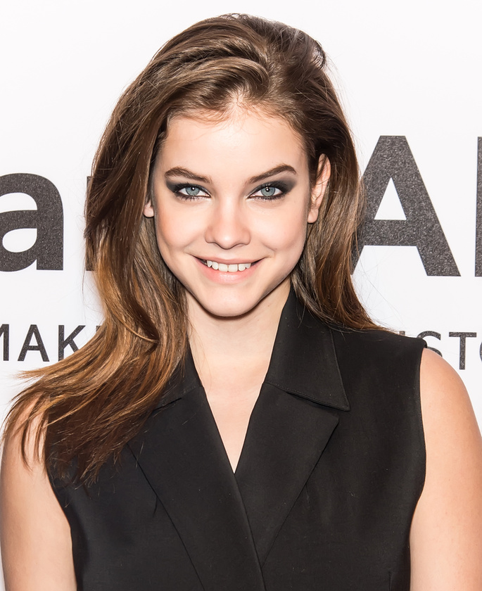 A magyar modellt azért is szeretjük, mert nagyon sokat mosolyog.