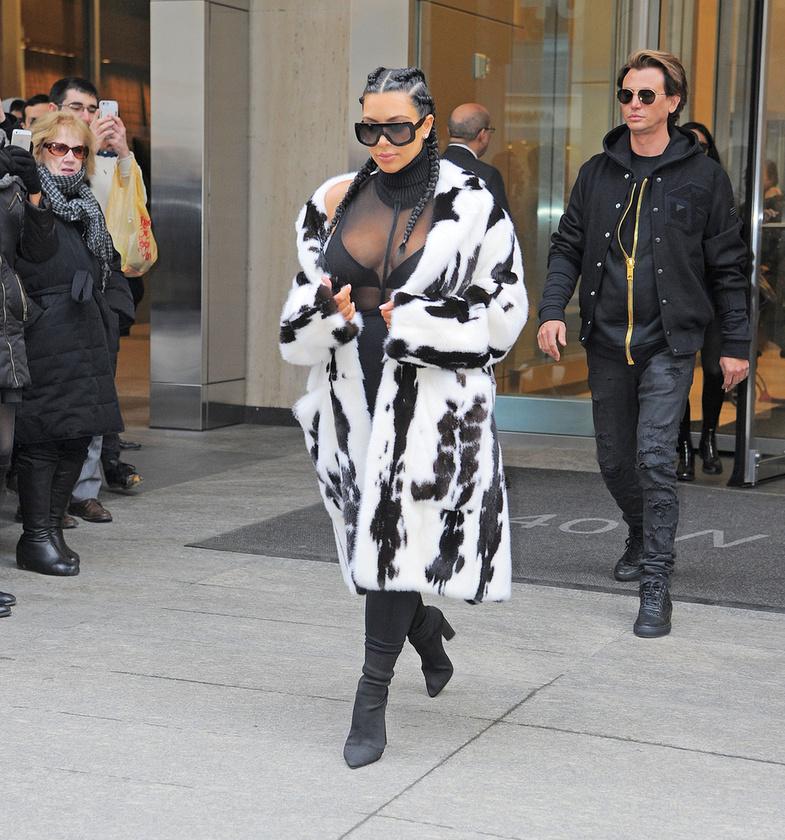 Szerda: a szél fúj, de Kim Kardashian ízléstelensége még mindig tart.