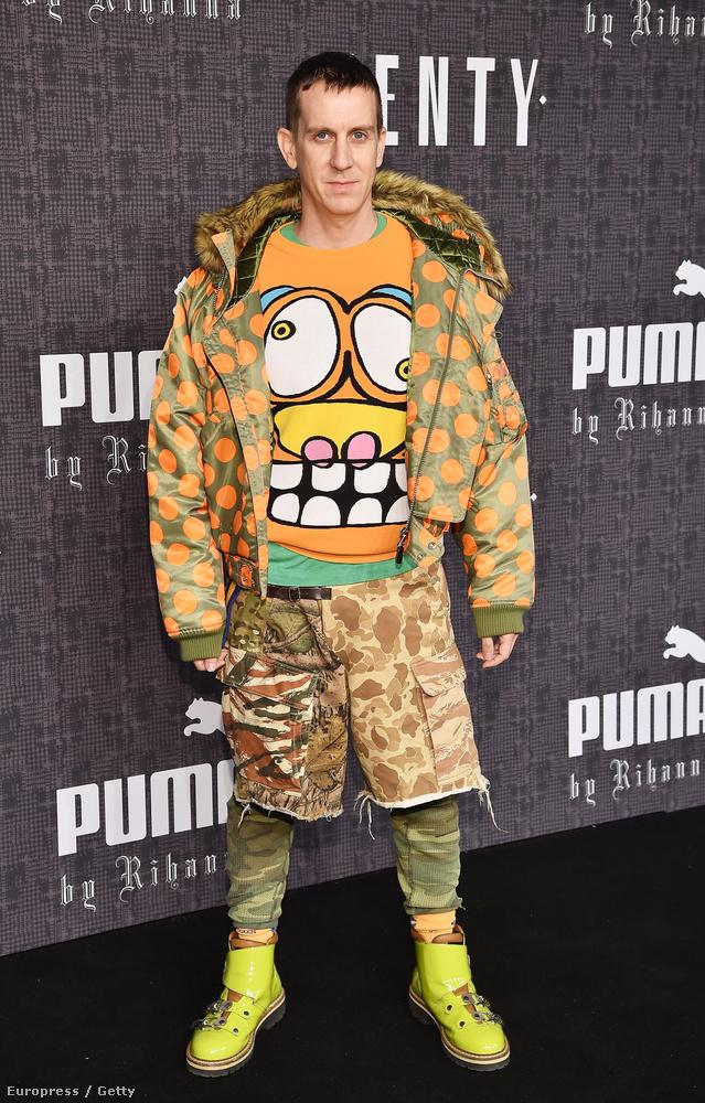 Érdemes alaposabban is megnéznünk a divattervező Jeremy Scott ruháját!