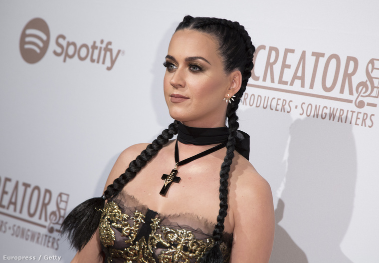 Az énekesnő a The Creators Party fényét akarta emelni jelenlétével