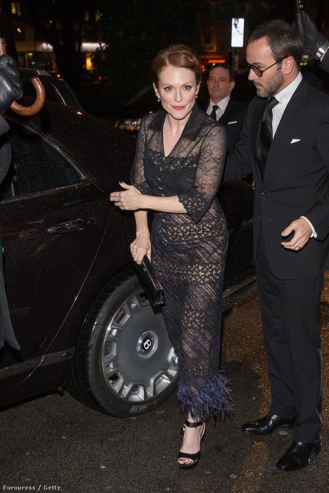 A csodás Julianne Moore már egy másik pre-BAFTA partira igyekszik.