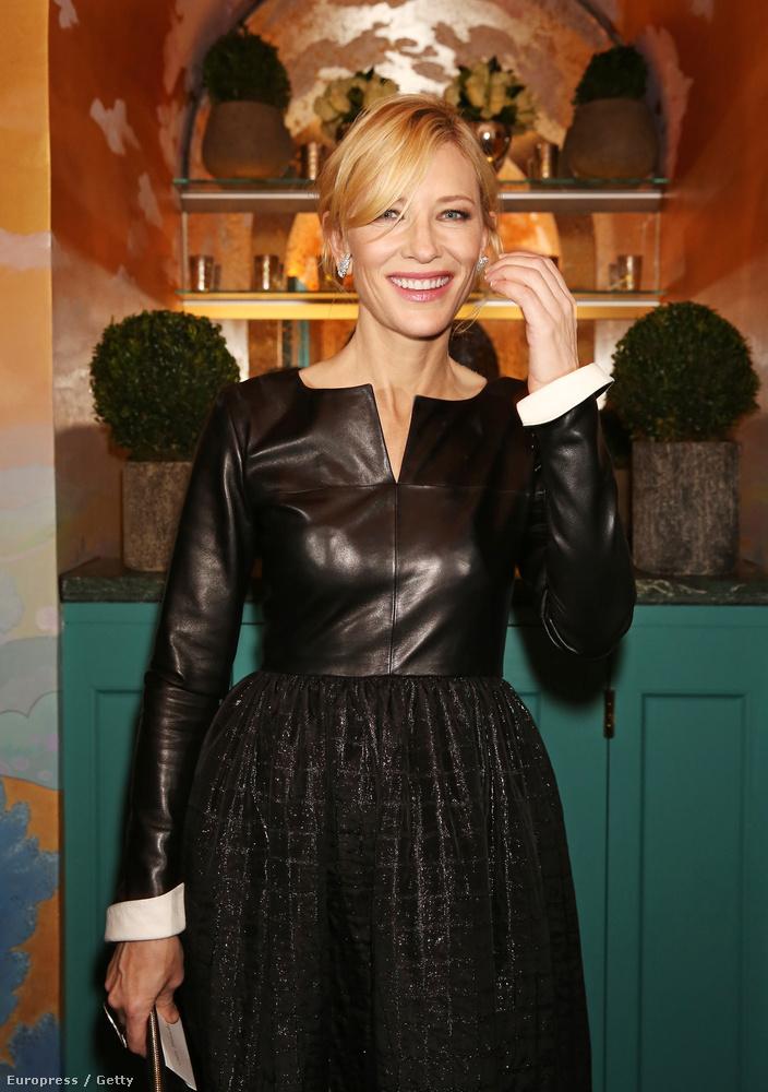 Cate Blanchett átöltözött, ezúttal kicsit dögösebbre vette a formát.