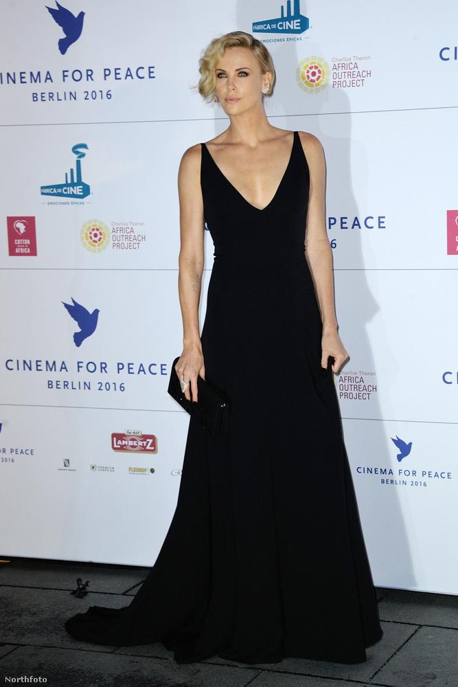 Cannes-ban is vígan parádézott.