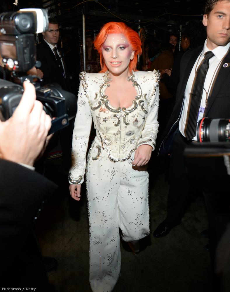 Lady Gaga egy hónapig készült arra a műsorszámra, amelyet David Bowie tiszteletére adott elő