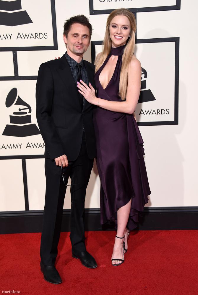 Meg persze az év rockalbumáért járó Grammy.