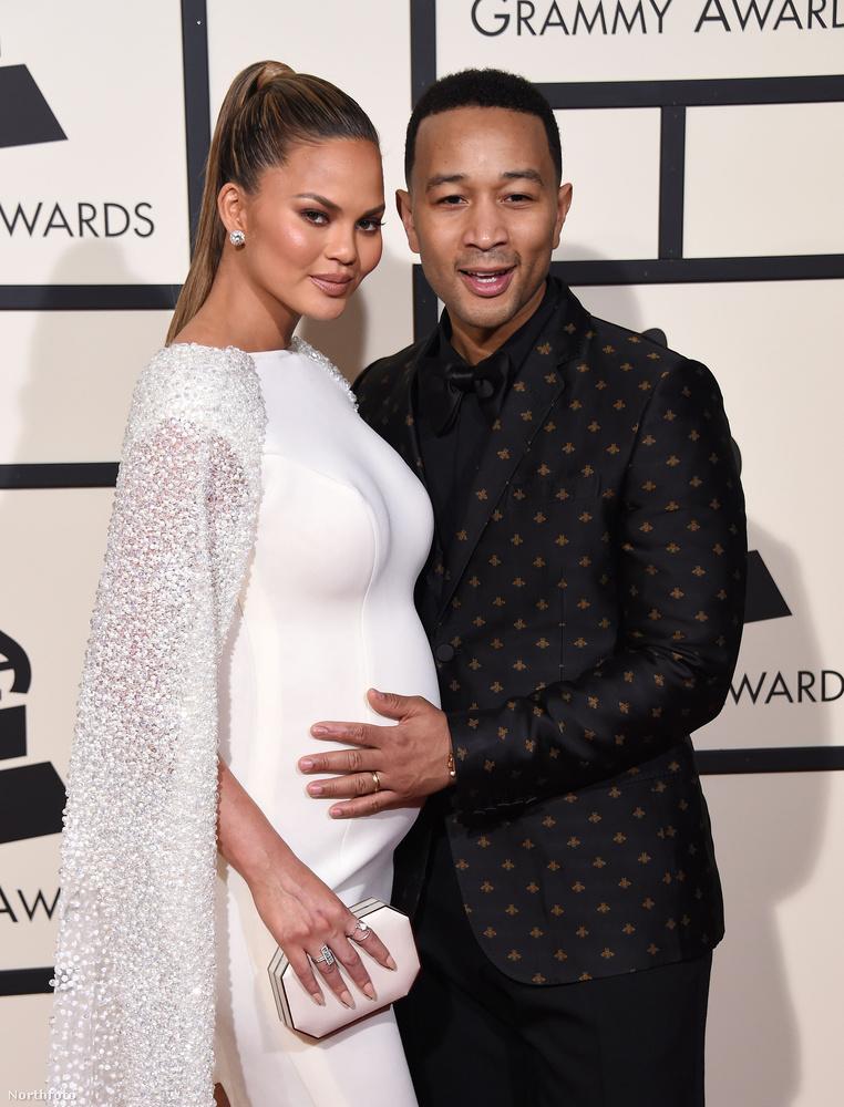 Nem, tényleg nem ők voltak a tökéletes pár, hanem Chrissy Teigen én John Legend, akik az első gyereküket várják