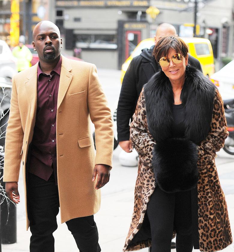 A barátja, Corey Gamble 35 éves, Jenner pedig 60