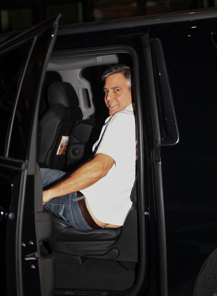 Láttuk George Clooney kőművesdekoltázsát