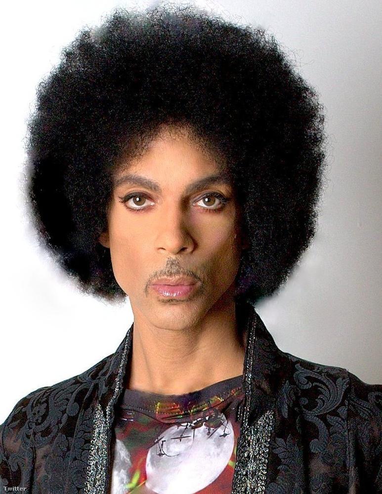 Prince pedig azt, hogy neki még az igazolványképe isTÖKÉLETES
