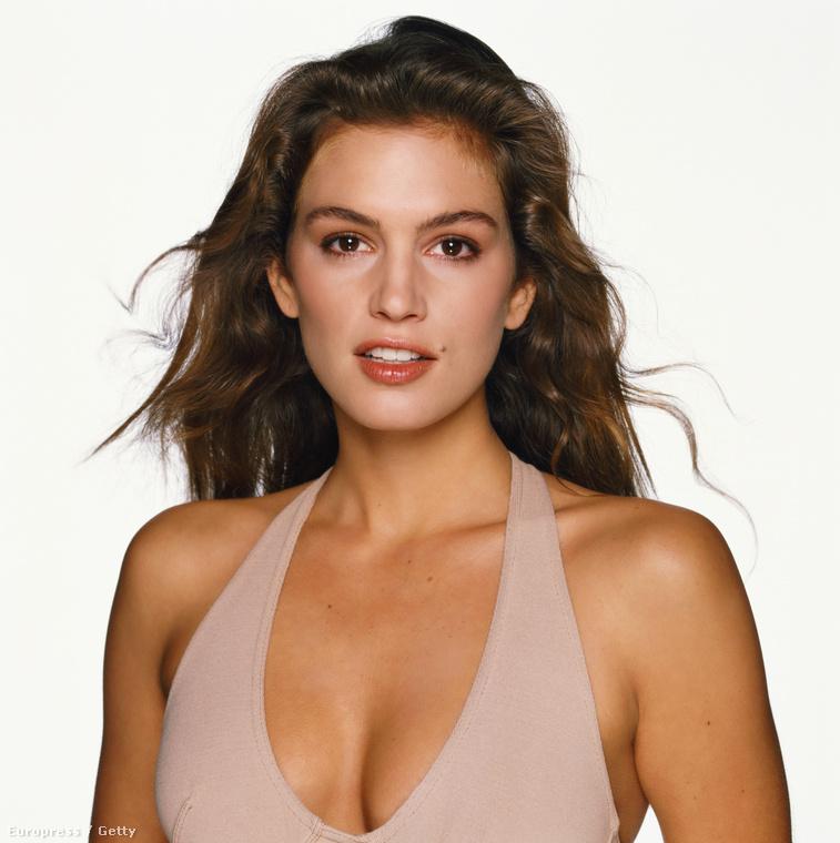 És amellett, hogy a szupermodellek közt is szupermodell volt, 1988-ban elvállalta, hogy szerepeljen a Playboyban