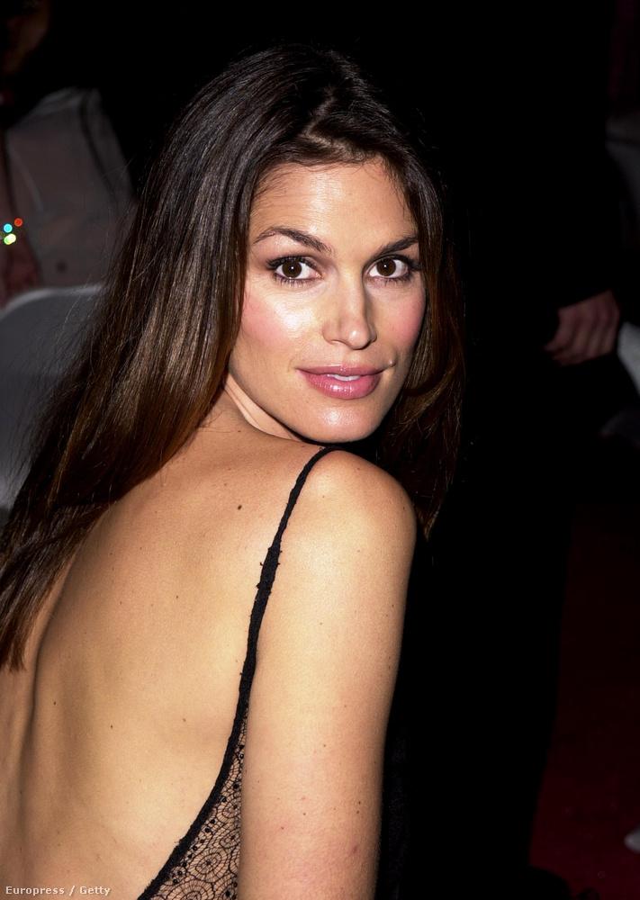 1998-ban, tíz évvel az első után ismét igent mondott a Playboynak, és újra meztelenül szerepelt a magazinban