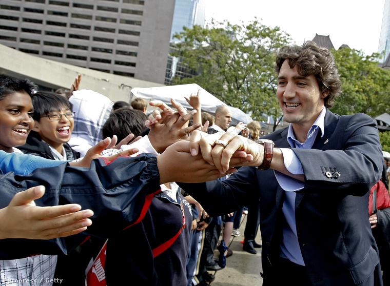 Pedig Trudeau már régóta óriási népszerűségnek örvend az észak-amerikai országban, és ez egyáltalán nem a véletlennek köszönhető.