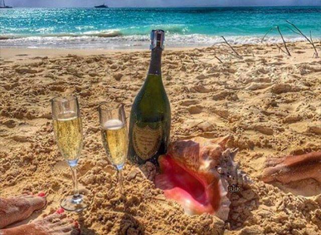 Homokban pezsgőzés