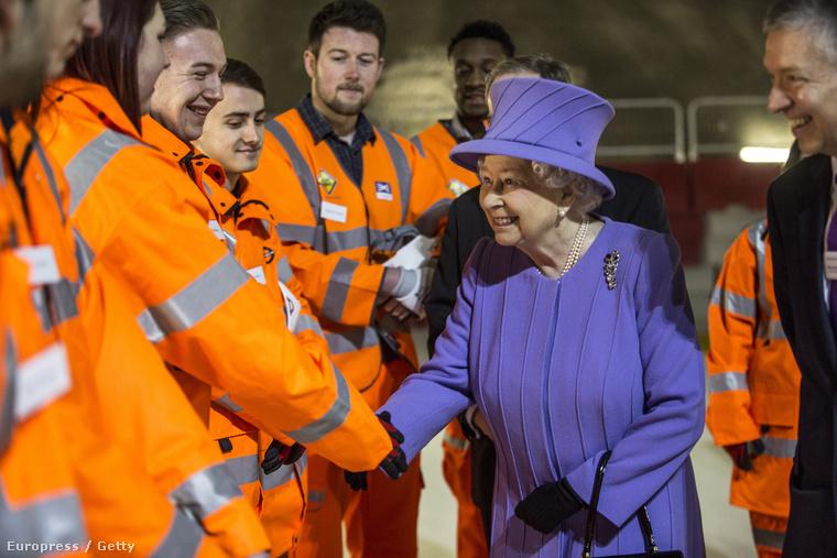 Az Elizabeth line, vagyis a királynőről elnevezett londoni metróvonal 2018-ra készülhet el