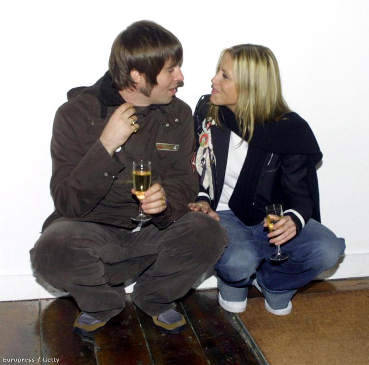 Húga, Nicole Appleton pedig az Oasisből ismert Liam Galagherrel jött össze 2000-ben