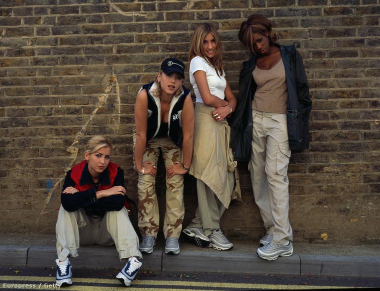 1997-ben jelent meg első albumuk, és már akkor tudni lehetett, hogy ez valami sokkal menőbb dolog, mint a szintén brit lánybanda, a Spice Girls
