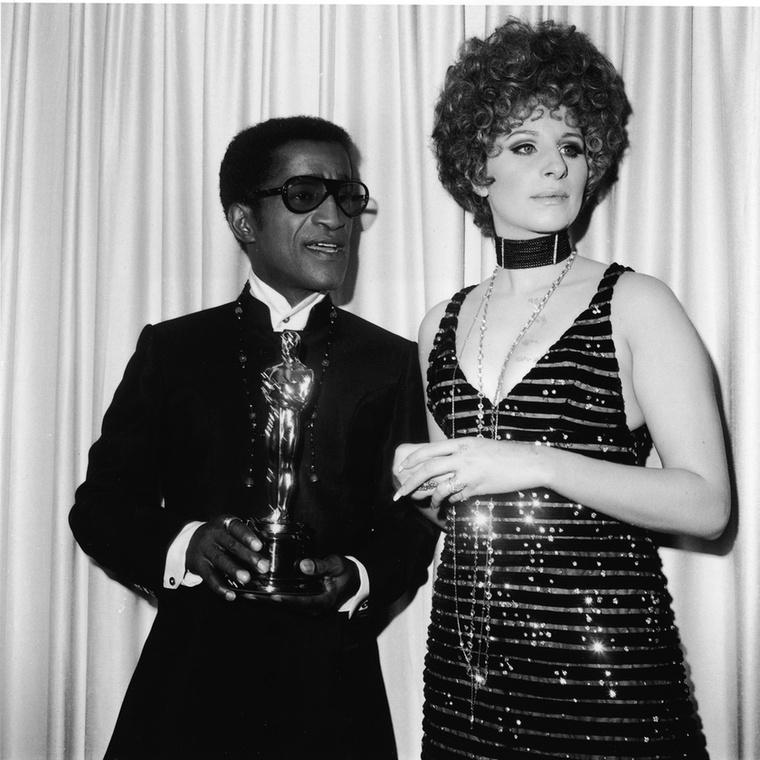 Ha valamit irigyelhet, az Barbra Streisand haja, mellette Sammy Davis Jr