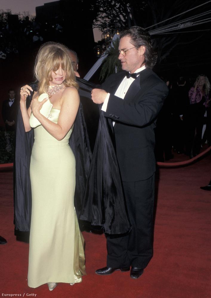 És most vesszük a kabátunkat, mint Goldie Hawn - Kurt Russell segítségével - 1996-ban