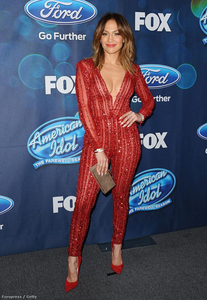 Jennifer Lopez az American Idol döntőseinek rendezett eseményen emlékeztetett mindenkit arra, hogy ő még mindig Jenny from the Block.