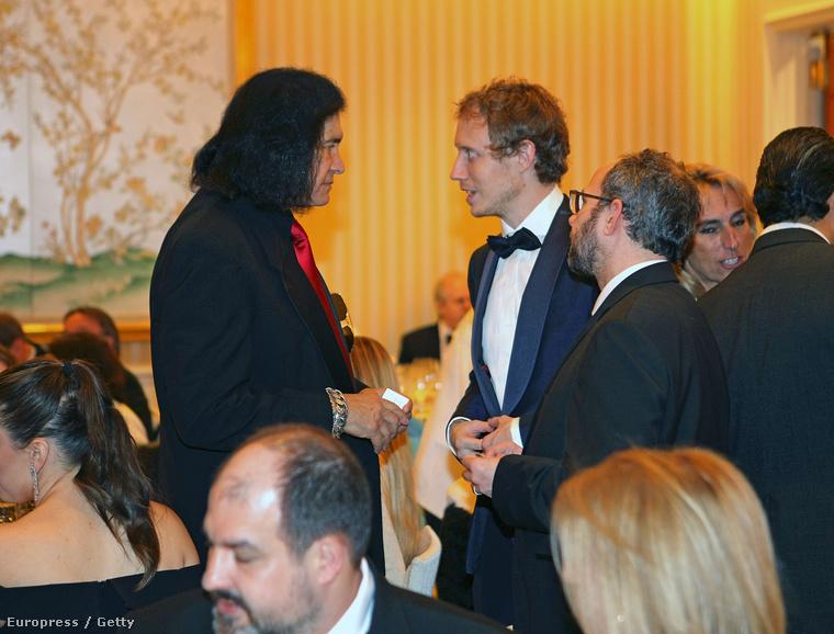 Tudja ki gratulált még Nemes Jeles Lászlónak? Gene Simmons, a Kiss magyar származású tagja!!!!!!(Update a következő képeken!!)