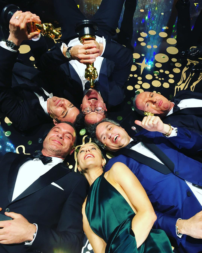 Ja, nem! Itt a Spotlight készítői örülnek az Oscarjuknak