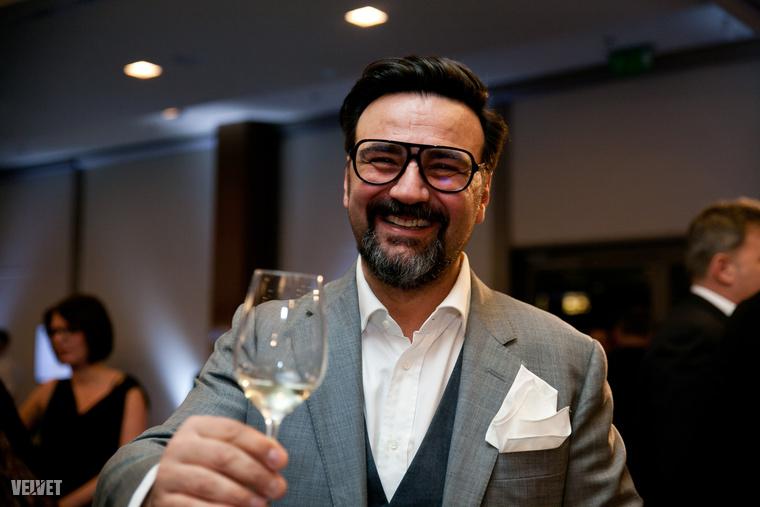 Hétfő este tartották meg a Dining Guide díjátadót, ahol a magyar gasztronómiai élet legjava gyűlt össze