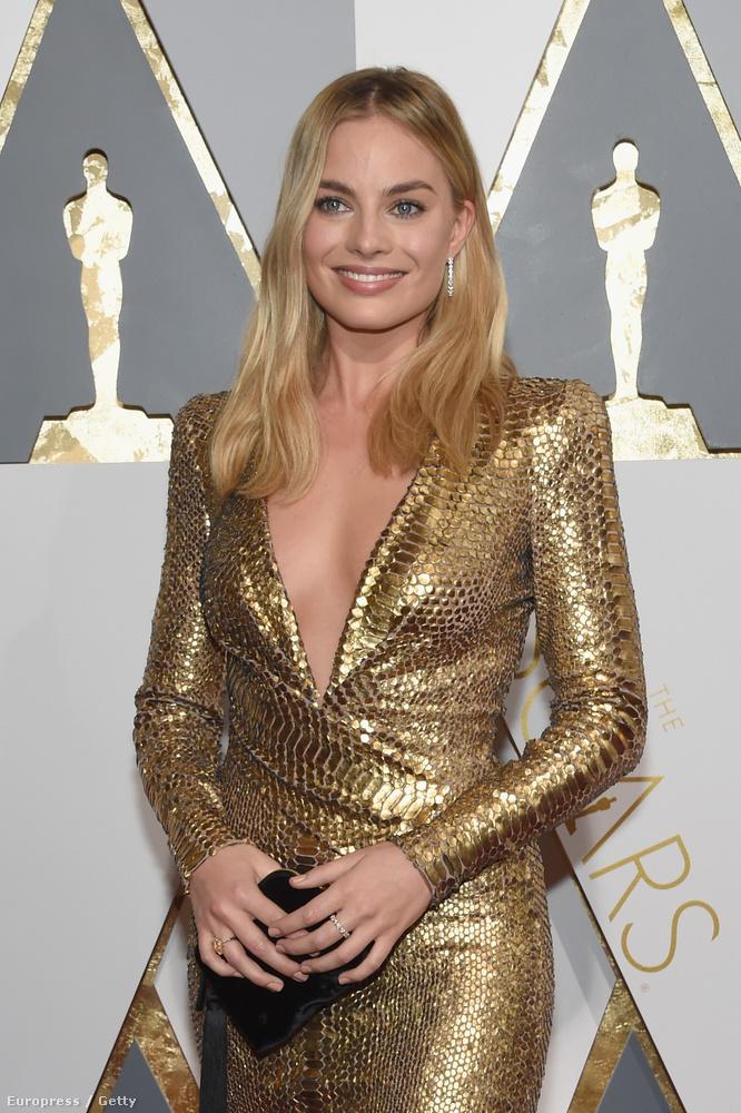 Margot Robbie elég merész ruhában jelent meg az Oscar-gálán.
