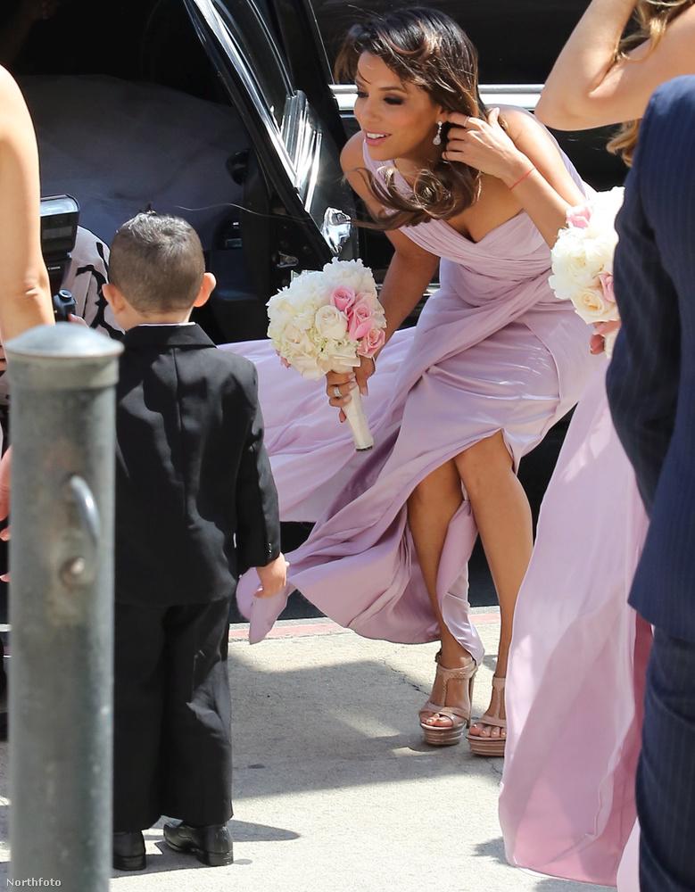 Eva Longoria 2014 júniusában koszorúslánykodott