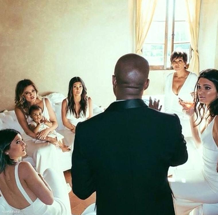 Ők voltak a koszorúslányok Kim Kardashian és Kanye West 2014-es esküvőjén: kb