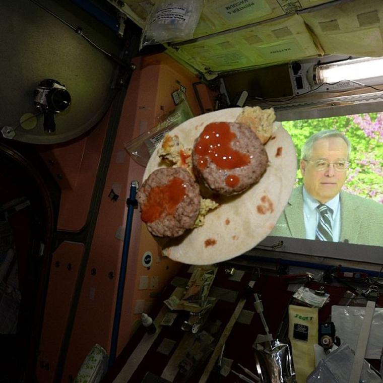 Ilyen egy reggeli az ISS-on
