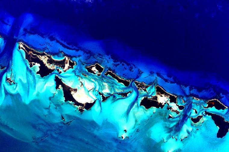 Az amerikai űrhajós rengeteg képet rakott fel