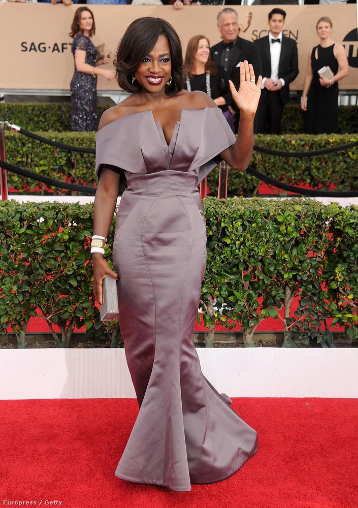 Sziluett kategória, második helyezett: Viola Davis, a How to get away with murder Emmy-díjas színésznője.