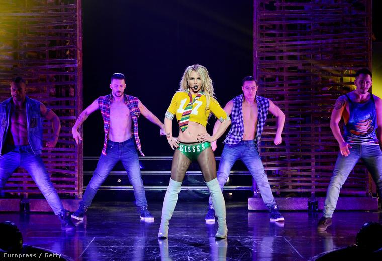 Britney Spears újraélesztett showjával ismét fellép Las Vegasban, erről kaptunk néhány képet, és meg kell mutatnunk,